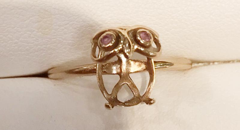 石が取れたふくろうの指輪